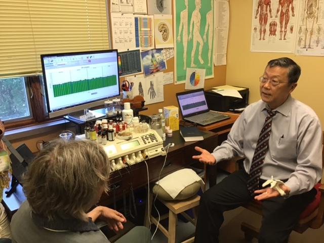 Dr. Simon Yu- Parasiten und Zahnherde werden häufig übersehen